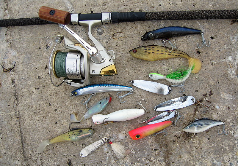 Surf fishing plug colors bing images for Blue fish rig
